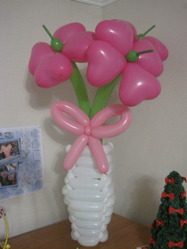 Цветы в вазе из шаров своими руками 32